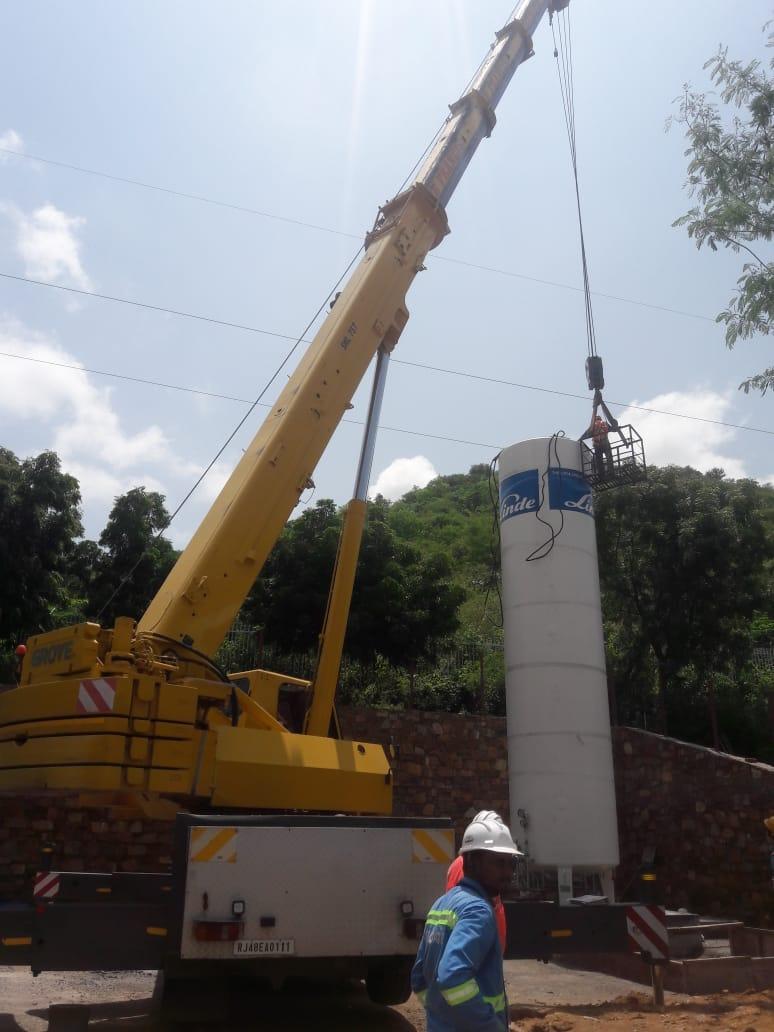 Crane-service-in-udaipur